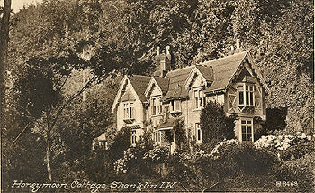The Honeymoon cottage in Shanklin chine
